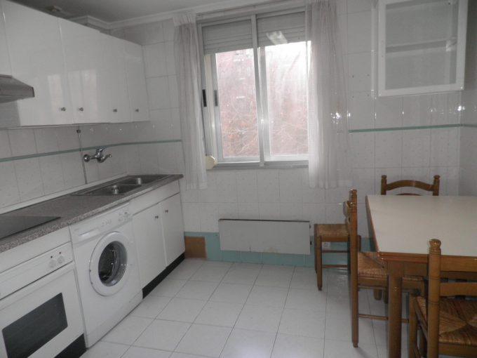 Foto de la cocina del piso en Adurza a la venta en Trivinsa inmobiliaria