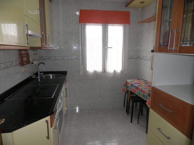 Foto de la cocina del piso en Arana a la venta en Trivinsa inmobiliaria