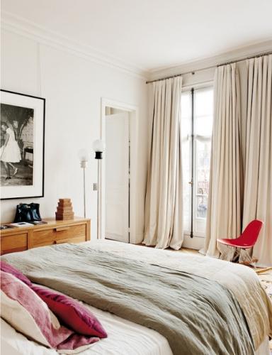 En-el-dormitorio-tonos-tejidos-neutros-y naturales-que-invitan-al desdcanso