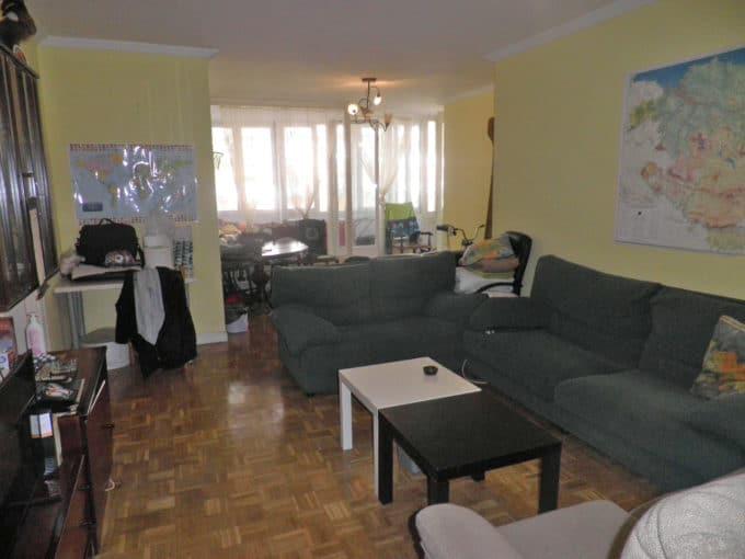 Foto del salón del piso en los Pintores a la venta en Trivinsa inmobiliaria
