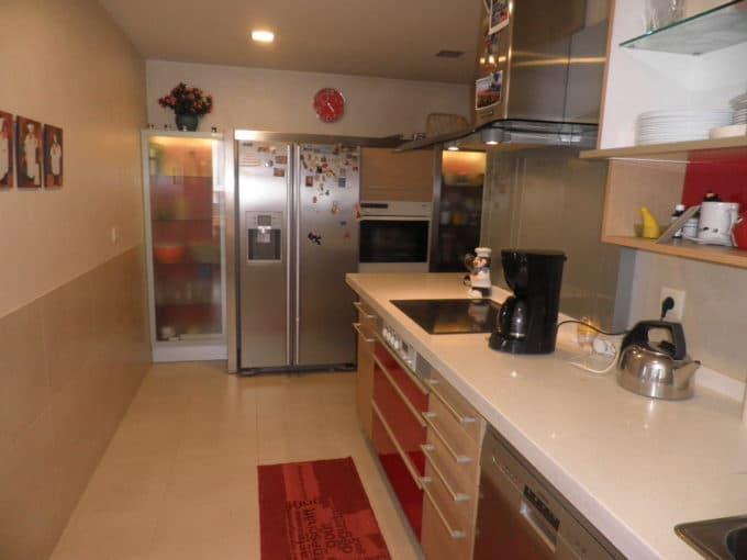 Foto de la cocina del piso en Pintores a la venta en Trivinsa inmobiliaria