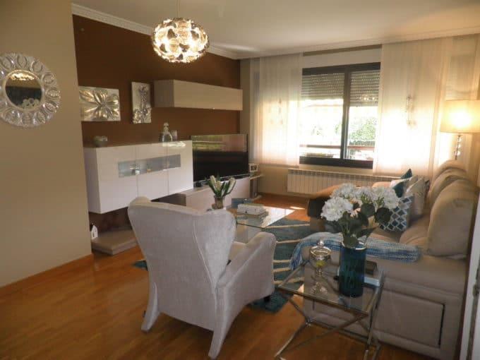 Foto del salón del piso en Borinbizkarra a la venta en Trivinsa inmobiliaria