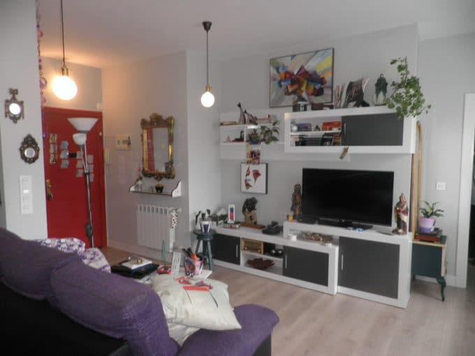 Foto de la sala del piso en Ricardo Buesa a la venta en Trivinsa inmobiliaria