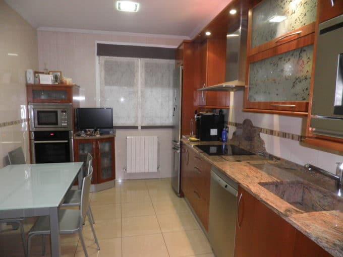 Foto de la cocina del piso en Zabalgana a la venta en Trivinsa inmobiliaria