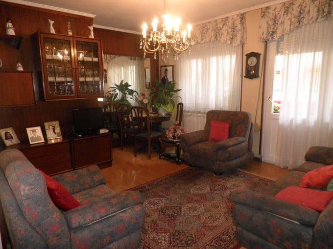 Foto del salón del piso en Gorbea a la venta en Trivinsa inmobiliaria
