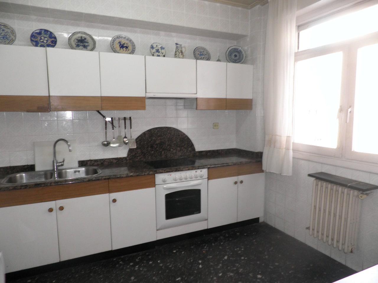 V04920-02-COCINA-PISO-OLAGUIBEL-VITORIA-TRIVINSA-INMOBILIARIA