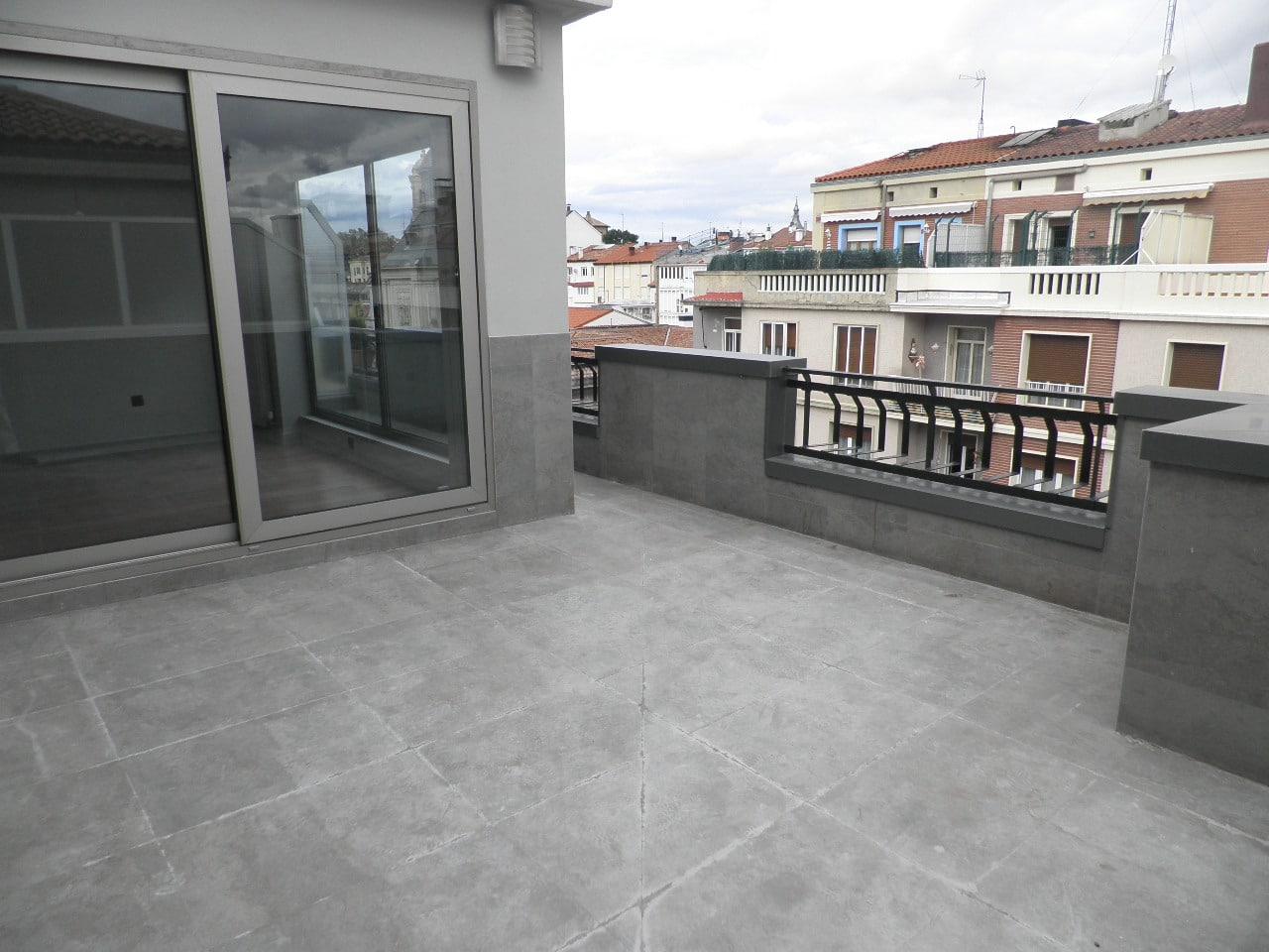 V04935-19-TERRAZA-PISO-OLAGUIBEL-VITORIA-TRIVINSA-INMOBILIARIA